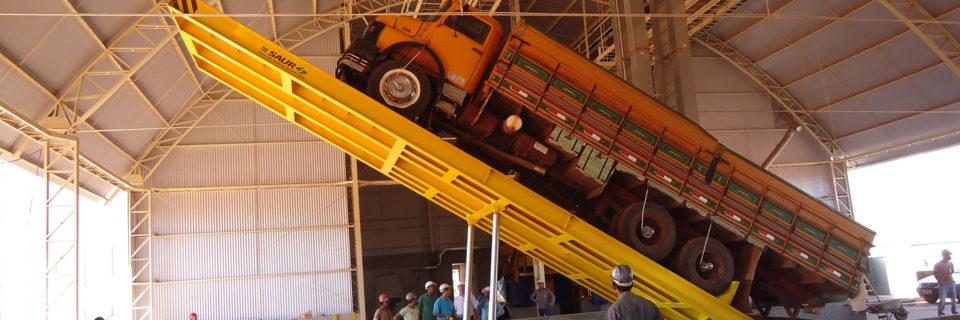 Armazéns com capacidade de 1.300.000 sacas de 60kg a granel